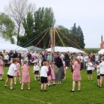 2009 Walkern Fair school maypole1