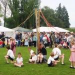 2009 Walkern Fair school maypole3